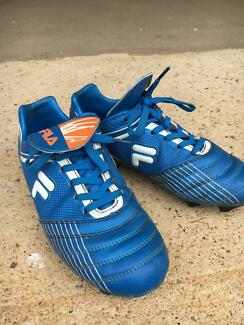 affcc68584d8 ... Fila soccer boots - good used condition plus Adidas shin pads (S) ...