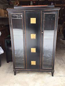 Vintage cabinet/hutch and sidetable/tv stand