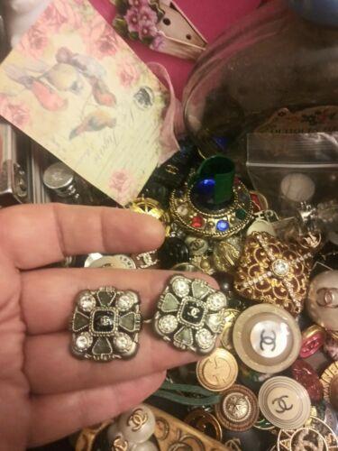 Chanel Button Gripoix