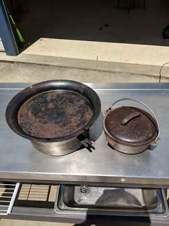 Camp oven cookers