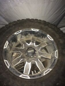 "20"" WORX rims / 35"" mud tires"