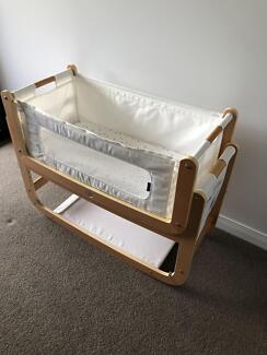 SnuzPod2 Bedside Co-sleeping Rocking Bassinet with accessories