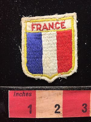 Vtg France Shield Shaped Flag Themed Souvenir Patch 68T4