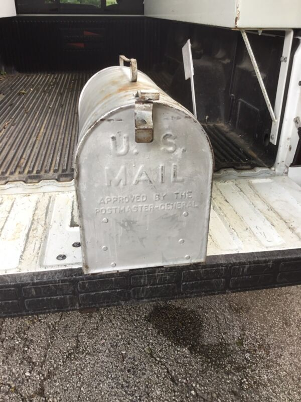 Huge !!! Vintage Galvanized Farm Mailbox