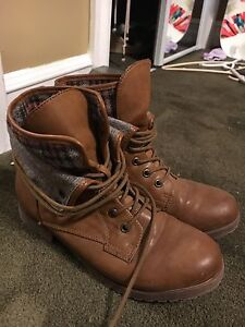Women's used boots