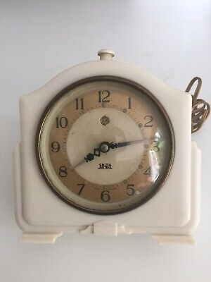 Art Deco Vintage Antique Smith Sectric Clock In White Bakelite