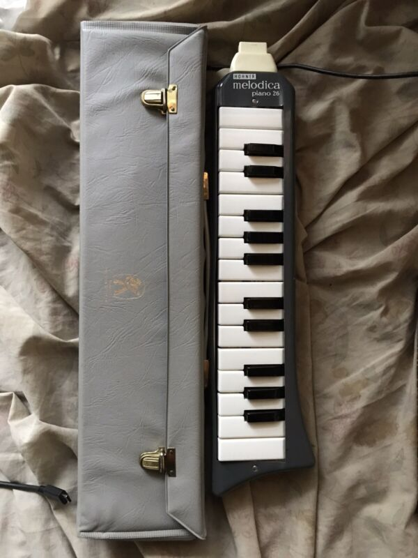 USED Hohner Melodica Piano 26 Mouth Organ Instrument With Case