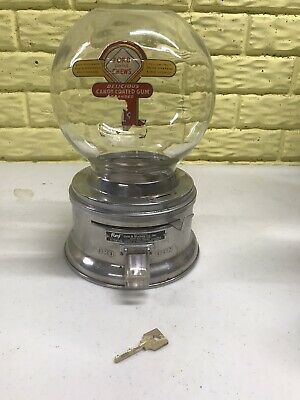 Vintage FORD GUMBALL MACHINE 1 CENT GUMBALL MACHINE Chews With Key Glass Globe