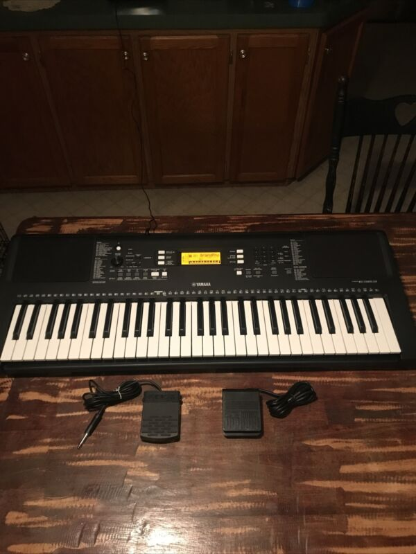 (NICE) Yamaha PSR-E363 Portable Electronic Keyboard W/ Power Cord & Accessories