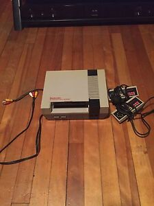 NES Two Controllers