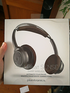 Bluebooth headset Plantronic BackBeat SENSE Revesby Heights Bankstown Area Preview