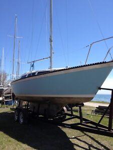 28' Lancer Sailboat project boat