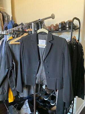 Vintage Cheap and Chic Moschino Cropped Black Blazer