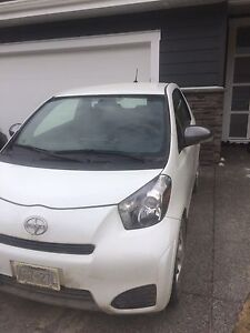 Toyota scion IQ 2012 priced to sell 7400$ lady driven
