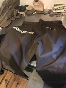 Air blaster size large snowboard pant with glow in the dark logo