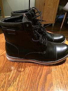 Men's casual boots $25 *Brand new $25