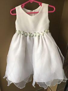 Baptism/flower girl dress size 4 (small size 4)
