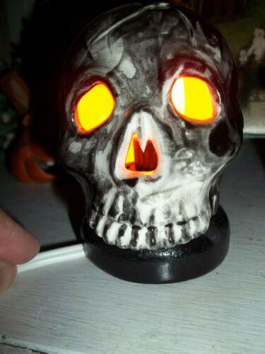 SCARY RAT ROD TYPE GLOWING SKULL LAMP Halloween VTG INSPIRED CERAMIC LIGHT UP