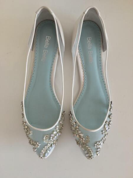 61373a0f684 Bella Belle 'Willow' Crystal Embellished Wedding Flats 🥿 Size 9.5 ...