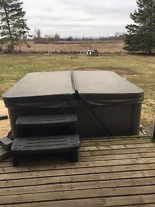 HOT TUB FOR SALE !!!