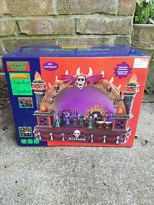 New 2018 Lemax Halloween Spooky Town Collection - SYMPHONY OF SCREAMS  (Halloween Symphony)