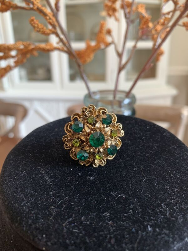 Vintage Emerald Green Rhinestone Cocktail Ring Gold Tone One Size