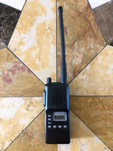 ICOM IC-A4 VHF AIR BAND TRANSCEIVER HAND HELD PORTABLE AVIATION RADIO COMPLETE !