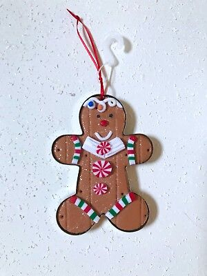Decorate Christmas Cookies (GINGERBREAD MAN COOKIE CUTTER XMAS TREE ORNAMENT DECOR ARRANGEMENT WREATH NEW)