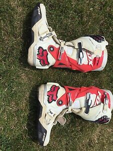 2 pairs of motocross boots size 30 pants