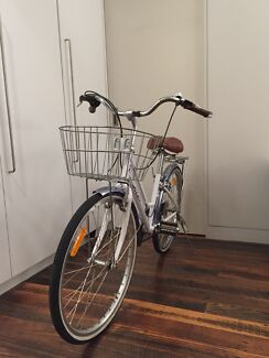 Child's Bike 8-12 years Nearly New $150 Clifton Hill Yarra Area Preview