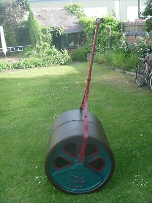 Large Victorian Cast Iron Roller..5ft High x 2ft Dia..Ideal Feature,Display,Prop