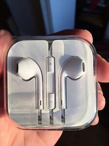 Apple EarPods (came with my iPhone 6s)