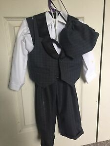 Boys size 4 suit