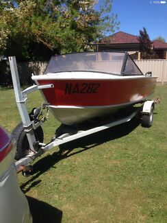 Aluminium Boat, Outboard Motor forward controls and Trailer in vgc