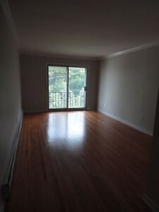 Spacious 2 Bedroom Available Now!!