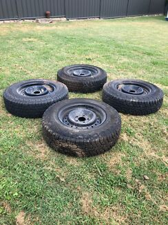 """16"""" Ford rims with tyres"""