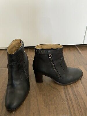 acne boots 36