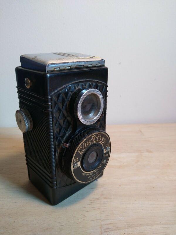 Vintage Clix-O-Flex Camera - Metropolitan Industries, Chicago. DAMAGED BUT WORKS