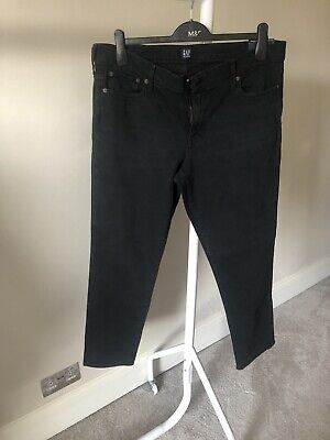 Gap Ladies Real Straight Jeans - 32R - New With Tags