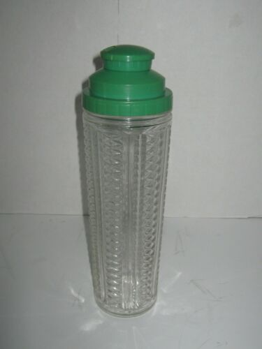 Medco 550 N.Y.C Skyscraper  Cocktail Shaker, Rare Green lid, recipe spinner