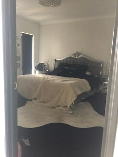 Stunning furnished room with ensuite & double garage in Banksia Grove Banksia Grove Wanneroo Area Preview