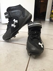 Under Armour Football Cleats - Size 8