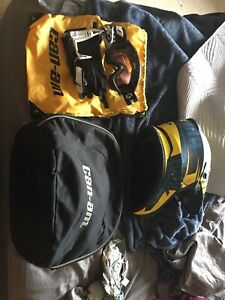 Helmet, bag, goggles, suit jersey and gloves