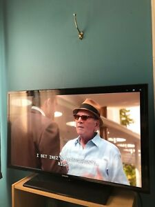 "40 "" LED 1080p Samsung TV"