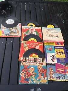 Childs 78 records - Antique - Peter Pan - Captain Kangeroo