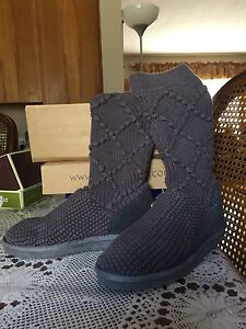UGG original knitted boots size 8
