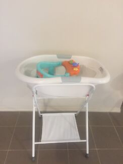 Combo set ! Roger Armstrong bath & stand& seat
