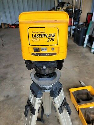 Spectra-physics Laserplane Laser Level Receiver Tripod And 13 Foot Grade Rod