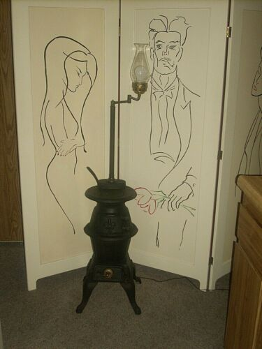 VTG KING CAST IRON POTBELLY WOOD / COAL BURNING STOVE FLOOR LAMP GLASS CHIMNEY