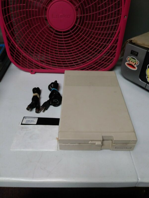 """Commodore 1571 External 5.25"""" Floppy Disk Drive TESTED WORKING!"""